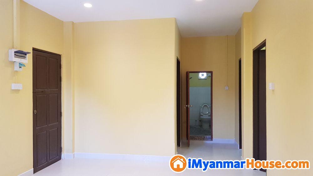 Privacy ရှိ၍ ပြင်ဆင်ပြီး လူမနေရသေးသော အခန်းသစ် သာဓုအိမ်ယာ ၃လွာ (အပေါ်ဆုံးထပ်) ၁၃၀၀ sq-ft ၊ အောက်ထပ် ကားပါကင်ပါ။