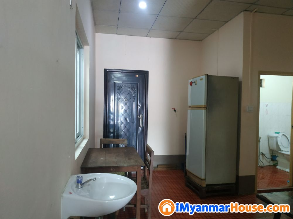 ျပင္ဆင္ၿပီး လံုးခ်င္းအငွား - ငွါးရန္ - ေတာင္ဥကၠလာပ (South Okkalapa) - ရန္ကုန္တိုင္းေဒသႀကီး (Yangon Region) - 4 သိန္း (က်ပ္) - R-18888474 | iMyanmarHouse.com
