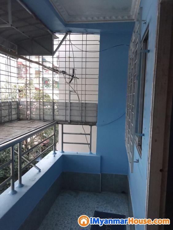 အလုံ ဧရာဝတီလမ်း တိုက်ခန်း ( ၄ )လွှာ ငှားမည် - ငှါးရန် - အလုံ (Ahlone) - ရန်ကုန်တိုင်းဒေသကြီး (Yangon Region) - 2.30 သိန်း (ကျပ်) - R-19165167 | iMyanmarHouse.com