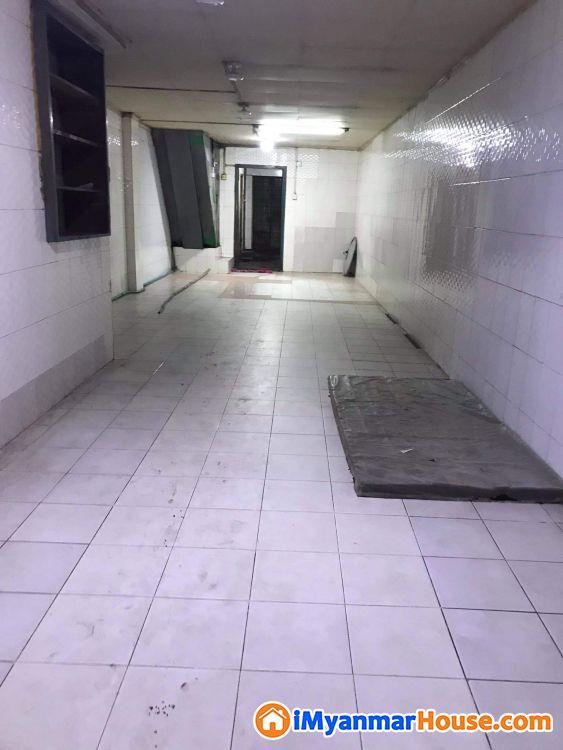 လုပ်ငန်း လုပ်ရန်ကောင်းသောလမ်းမတန်း မြေညီအငှား - ငှါးရန် - လမ်းမတော် (Lanmadaw) - ရန်ကုန်တိုင်းဒေသကြီး (Yangon Region) - 5.50 သိန်း (ကျပ်) - R-19174698 | iMyanmarHouse.com