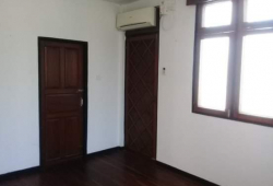 2 storey house for rent
