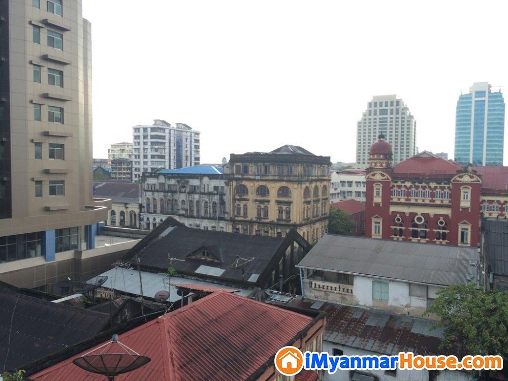 ၃၇ လမ္း၊ ေက်ာက္တံတားၿမိဳ႕နယ္၊ Downtown Penthouse ပိုင္ရွင္တိုက္႐ိုက္ဌားရန္ရွိ - ငှါးရန် - ကျောက်တံတား (Kyauktada) - ရန်ကုန်တိုင်းဒေသကြီး (Yangon Region) - 4.40 သိန်း (ကျပ်) - R-19184747 | iMyanmarHouse.com