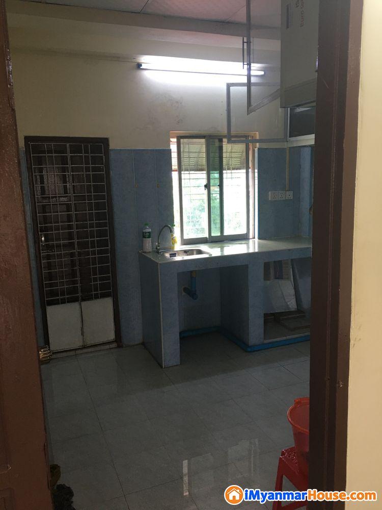 မိုးကောင်းလမ်းမတွင်တိုက်ခန်းငှါးရန်ရှိသည်။ - ငှါးရန် - ရန်ကင်း (Yankin) - ရန်ကုန်တိုင်းဒေသကြီး (Yangon Region) - 2.50 သိန်း (ကျပ်) - R-19185516 | iMyanmarHouse.com