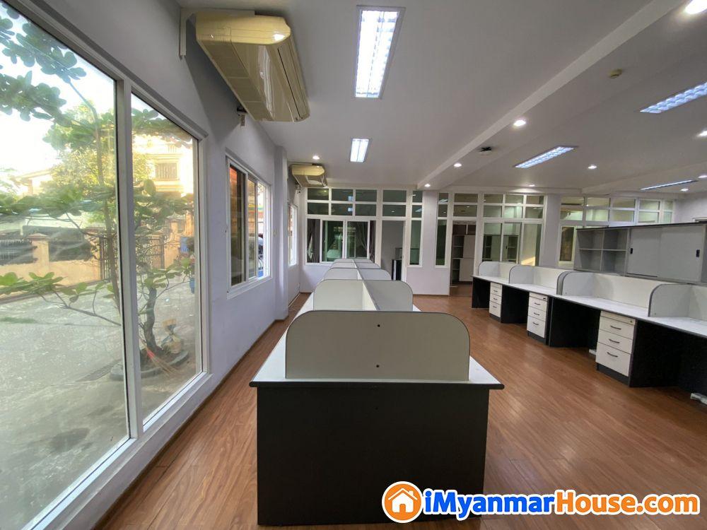Spacious Office, lots of natural light-- right off Pyay rd. - ငှါးရန် - မရမ်းကုန်း (Mayangone) - ရန်ကုန်တိုင်းဒေသကြီး (Yangon Region) - 4,000,000 သိန်း (ကျပ်) - R-19319185 | iMyanmarHouse.com