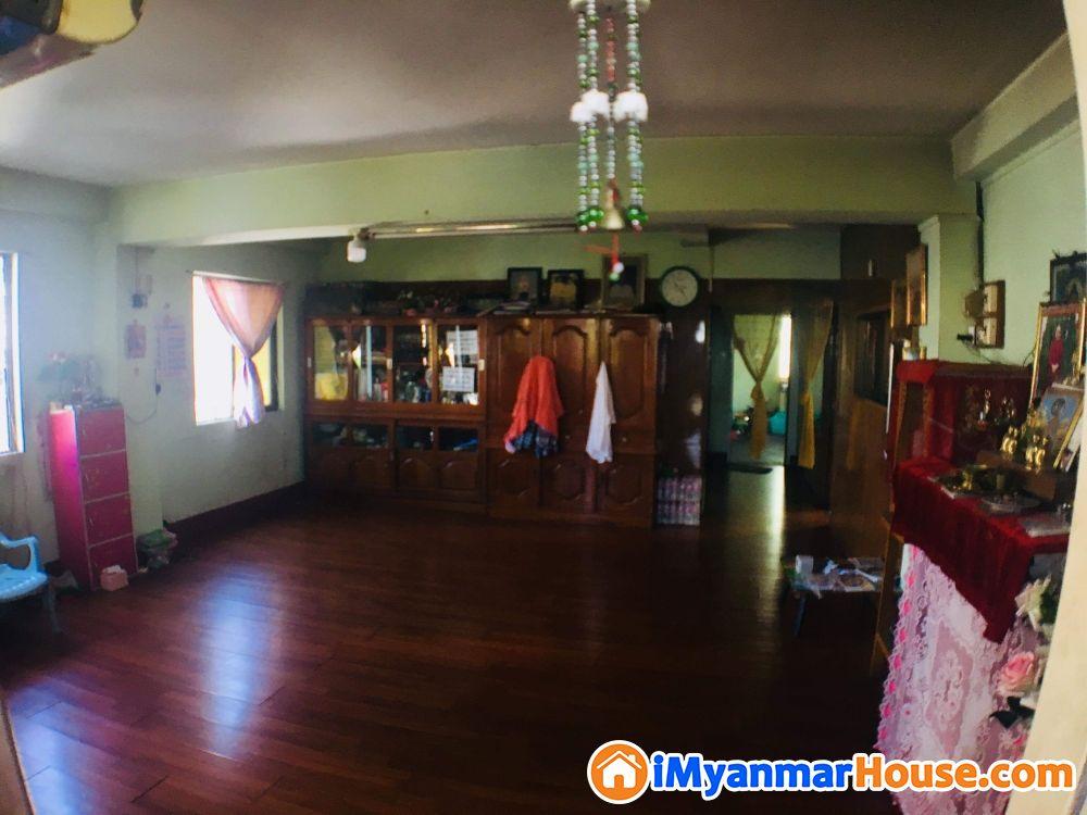 ကြည့်မြင်တိုင်ကမ်းနားလမ်းမပေါ်တိုက်ခန်းရောင်းမည်/စျေးညှိနှိုင်းပေးမည် - ေရာင္းရန္ - ၾကည့္ျမင္တိုင္ (Kyeemyindaing) - ရန္ကုန္တိုင္းေဒသႀကီး (Yangon Region) - 850 သိန္း (က်ပ္) - S-8671940 | iMyanmarHouse.com
