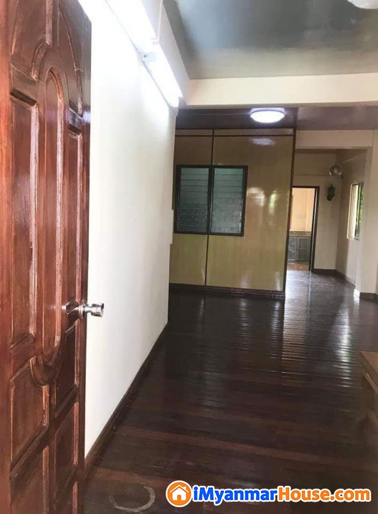 ပေ (13.5 x 45) ကျယ်ဝန်းသောလိူင်မြို့နယ်ရှိတိုက်ခန်းပိုင်ရှင်ကိုယ်တိုင်ရောင်းမည်