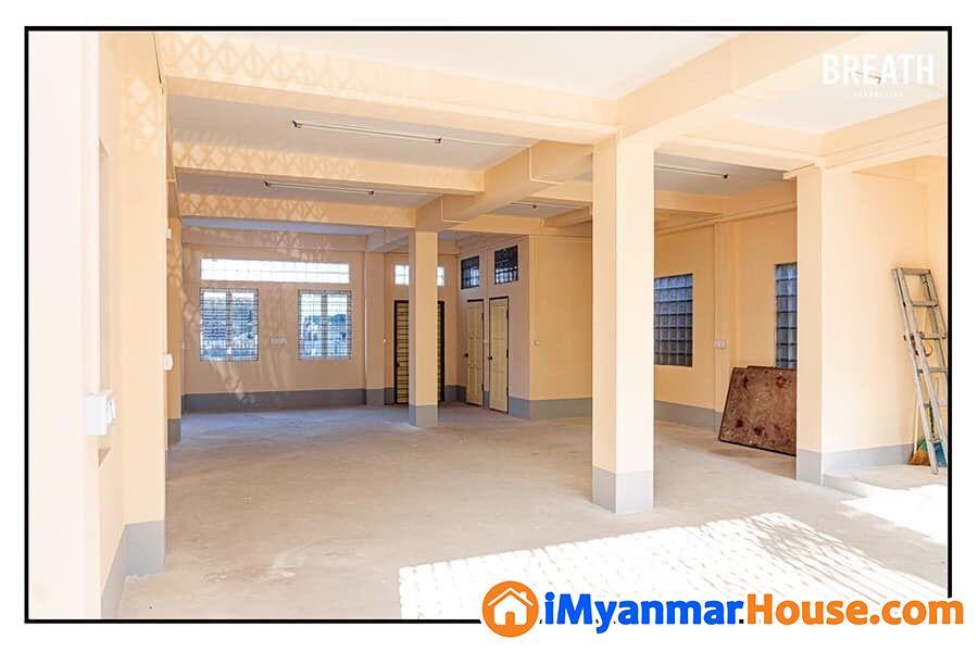 လုံးချင်းတိုက် ရောင်းလိုပါသည် (ဒေါပုံမြို့နယ်) - ေရာင္းရန္ - ေဒါပံု (Dawbon) - ရန္ကုန္တိုင္းေဒသႀကီး (Yangon Region) - 2,000 သိန္း (က်ပ္) - S-8243873 | iMyanmarHouse.com