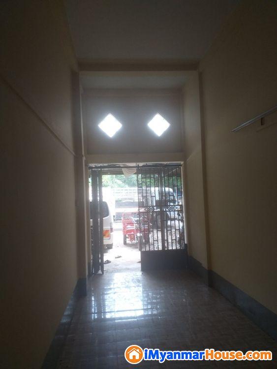 ပေ (13 x 55) ကျယ်ဝန်းသော သာကေတမြို့နယ်ရှိ မြေညီတိုက်ခန်းပိုင်ရှင်ကိုယ်တိုင်အမြန်ရောင်းမည်