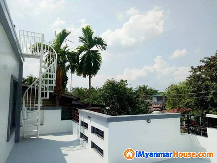 မြောက်ဒဂုံမြို့နယ် ၄၆ ရပ်ကွက် မန္တလေးလမ်းမကြီးအနီး ဂရန်အမည်ပေါက် M(2)..S(3) ၂ထပ်ခွဲတိုက်သစ် ရောင်းမည် ၂၅၀၀ သိန်း ညှိနှိုင်း