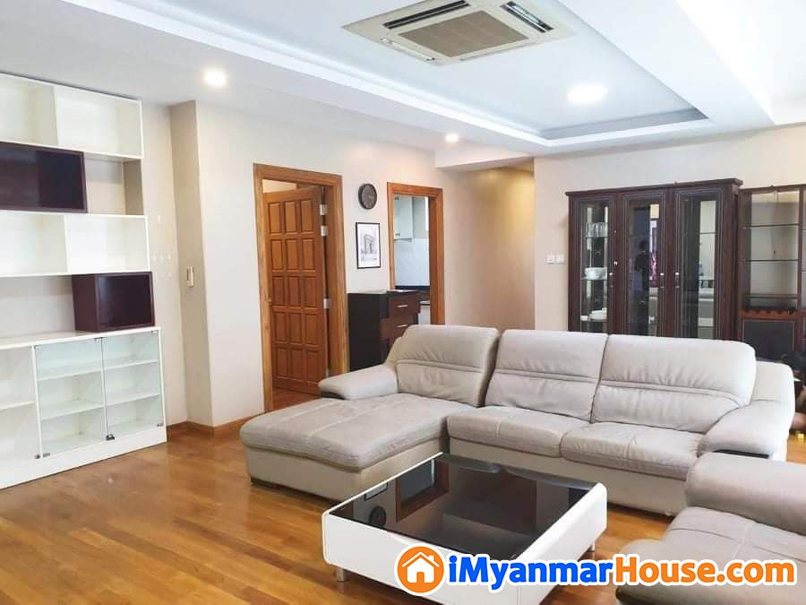 Shwezabudeilk condo for sale (cs 00962) (ahlone road)(near thakhinmya park.)