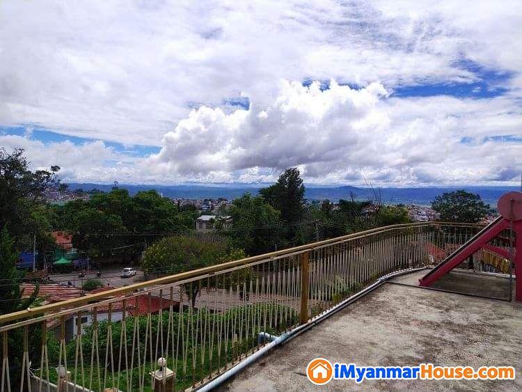 ပေ (90 x 80) ကျယ်ဝန်းသောတောင်ကြီးမြို့နယ်ရှိလုံးချင်းအိမ်ပိုင်ရှင်ကိုယ်တိုင်ရောင်းမည် - ရောင်းရန် - တောင်ကြီး (Taunggyi) - ရှမ်းပြည်နယ် (Shan State) - 6,500 သိန်း (ကျပ်) - S-8511575 | iMyanmarHouse.com