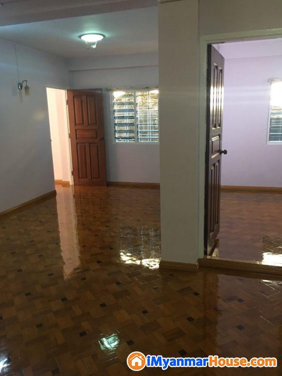 ၾကည္ျမင္တိုင္ ၿမိဳ.နယ္ အထက္အုန္းပင္လမ္း တ ြင္ တိုက္ခန္း ေရာင္းရန္ ရွိ ပါ သည္ - ေရာင္းရန္ - ၾကည့္ျမင္တိုင္ (Kyeemyindaing) - ရန္ကုန္တိုင္းေဒသႀကီး (Yangon Region) - 680 သိန္း (က်ပ္) - S-8644128 | iMyanmarHouse.com