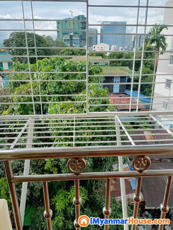 စမ်းချောင်းတိုက်ခန်းရောင်းရန်ရှိသည်။ - ေရာင္းရန္ - စမ္းေခ်ာင္း (Sanchaung) - ရန္ကုန္တိုင္းေဒသႀကီး (Yangon Region) - 475 သိန္း (က်ပ္) - S-8652349 | iMyanmarHouse.com