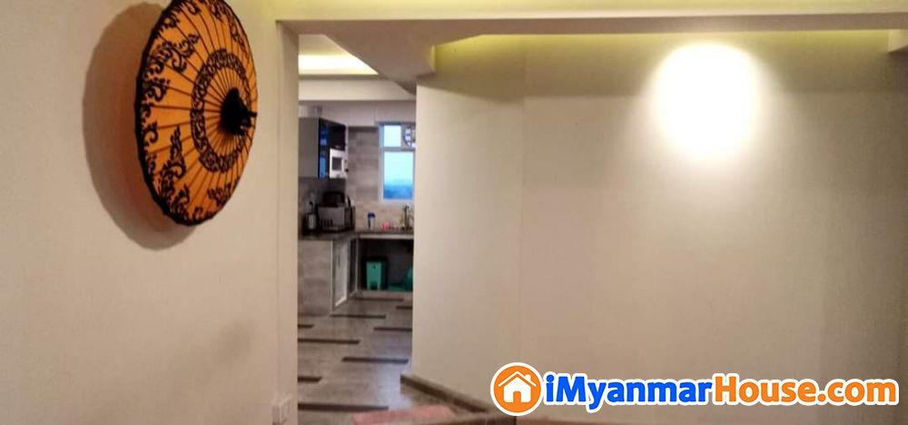 စမ်းချောင်းမြို့နယ်ရှိ Modernized ပြင်ဆင်ထားသော Penthouse မီနီကွန်ဒိုရောင်းရန်ရှိပါတယ် - ေရာင္းရန္ - စမ္းေခ်ာင္း (Sanchaung) - ရန္ကုန္တိုင္းေဒသႀကီး (Yangon Region) - 1,200 သိန္း (က်ပ္) - S-8670772 | iMyanmarHouse.com
