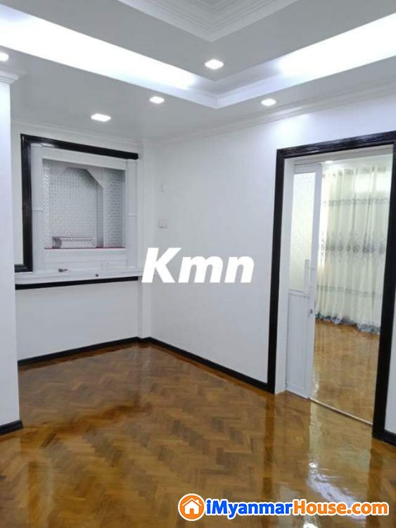 အိုးအိမ်တိုက်ခန်းရောင်းမည် - ေရာင္းရန္ - သဃၤန္းကၽြန္း (Thingangyun) - ရန္ကုန္တိုင္းေဒသႀကီး (Yangon Region) - 580 သိန္း (က်ပ္) - S-8718555   iMyanmarHouse.com