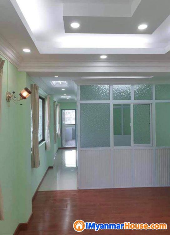 စမ္းေခ်ာင္းဦးဖီးလမ္းတိုက္ခန္း - ေရာင္းရန္ - စမ္းေခ်ာင္း (Sanchaung) - ရန္ကုန္တိုင္းေဒသႀကီး (Yangon Region) - 510 သိန္း (က်ပ္) - S-8722680 | iMyanmarHouse.com