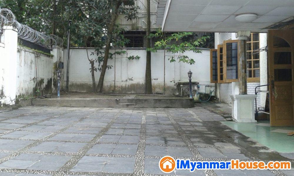 (47'X55.25')အကျယ်၊ ဗဟန်းမြို့နယ်၊ ရွှေတောင်ကြား(၁)လမ်း လုံးချင်းအိမ်ရောင်းရန်ရှိသည်။ - ရောင်းရန် - ဗဟန်း (Bahan) - ရန်ကုန်တိုင်းဒေသကြီး (Yangon Region) - 14,000 သိန်း (ကျပ်) - S-8763529 | iMyanmarHouse.com