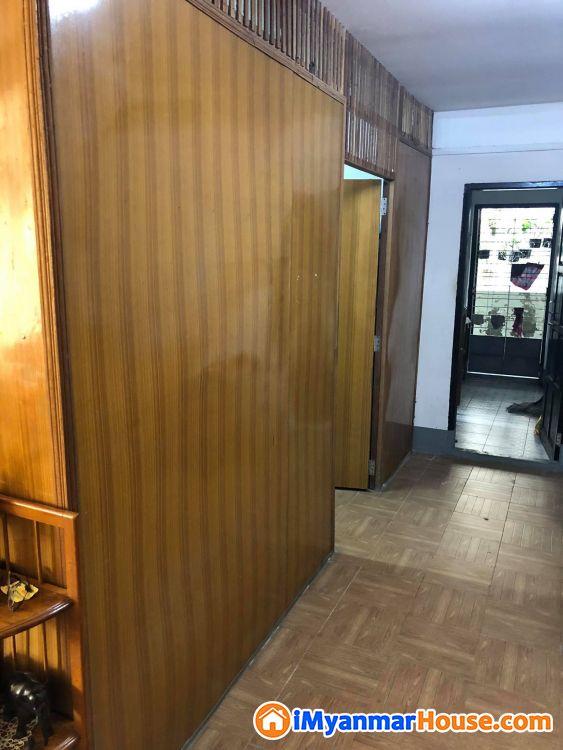 လှိုင်မြို့နယ်၊ (၇) ရပ်ကွက်၊ မြတ်လေးရုံလမ်းတွင် မြေညီထပ် + ထပ်ခိုးအပြည့် အသင့်ပြင်ဆင်ပြီးတိုက်ခန်း - ရောင်းရန် - လှိုင် (Hlaing) - ရန်ကုန်တိုင်းဒေသကြီး (Yangon Region) - 1,700 သိန်း (ကျပ်) - S-8779663 | iMyanmarHouse.com