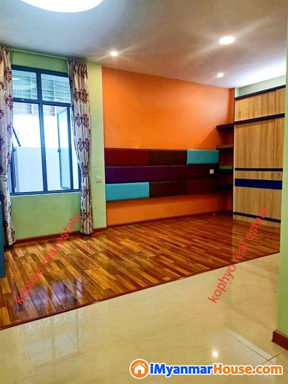 ေျမာက္ဒဂံု လုံးခ်င္းတုိက္ေရာင္းမည္ - ရောင်းရန် - ဒဂုံမြို့သစ် မြောက်ပိုင်း (Dagon Myothit (North)) - ရန်ကုန်တိုင်းဒေသကြီး (Yangon Region) - 1,900 သိန်း (ကျပ်) - S-8780158 | iMyanmarHouse.com