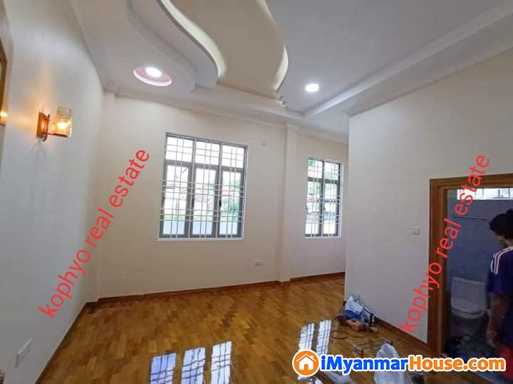 ေျမာက္ဒဂံု လုံးခ်င္းေရာင္းမည္ - ရောင်းရန် - ဒဂုံမြို့သစ် မြောက်ပိုင်း (Dagon Myothit (North)) - ရန်ကုန်တိုင်းဒေသကြီး (Yangon Region) - 2,000 သိန်း (ကျပ်) - S-8780193 | iMyanmarHouse.com