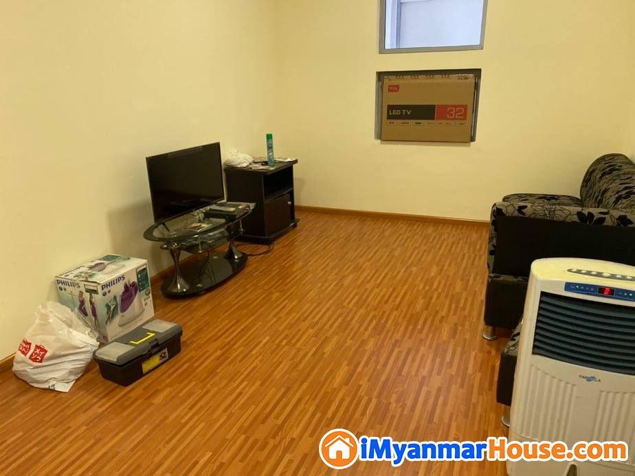 လိႈင္ျမိဳ႕နယ္ရွိ Royal Thuka condo တြင္ အလုံးစုံျပင္ဆင္ျပီး အခန္းေရာင္းမည္။ - ရောင်းရန် - လှိုင် (Hlaing) - ရန်ကုန်တိုင်းဒေသကြီး (Yangon Region) - 1,600 သိန်း (ကျပ်) - S-8782581   iMyanmarHouse.com