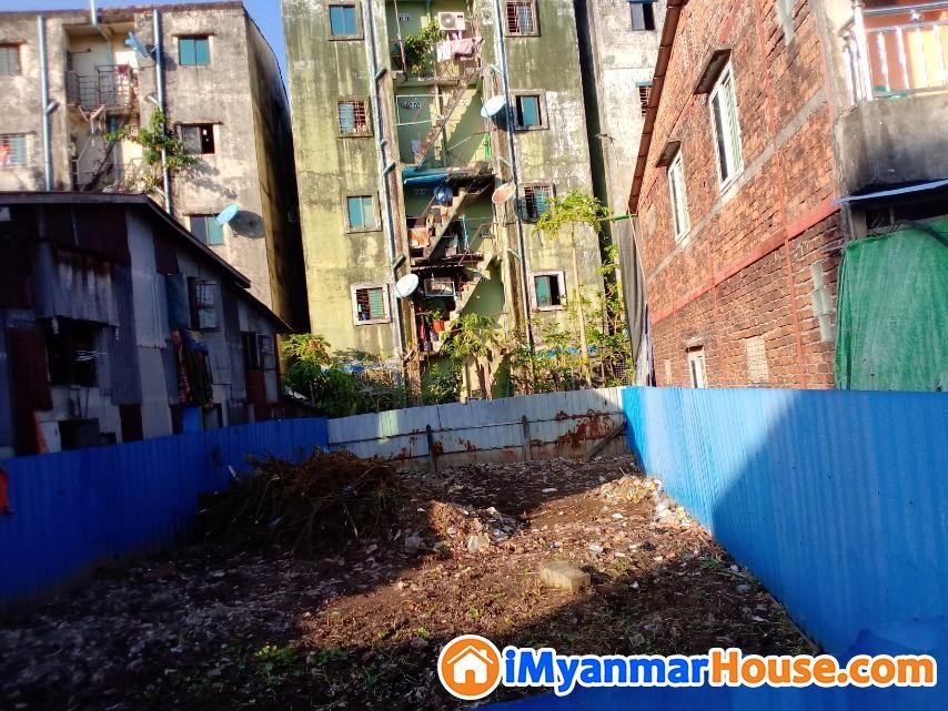 သင်ဃ်န်းကျွန်း ဉီးစံဖေလမ်းမကြီးရဲ့ လမ်းသွယ် (25*60) (470)ညှိနှိုင်းရောင်စမည် - ရောင်းရန် - သင်္ဃန်းကျွန်း (Thingangyun) - ရန်ကုန်တိုင်းဒေသကြီး (Yangon Region) - 470 သိန်း (ကျပ်) - S-8794361   iMyanmarHouse.com