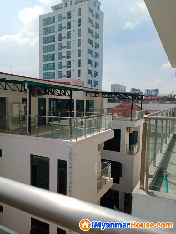 စမ်းချောင်းမြို့နယ် sanchaung Garden Condominiun အခန်း အမြန်ရောင်းရန် ရှိသည် - ရောင်းရန် - စမ်းချောင်း (Sanchaung) - ရန်ကုန်တိုင်းဒေသကြီး (Yangon Region) - 1,880 သိန်း (ကျပ်) - S-8797547 | iMyanmarHouse.com