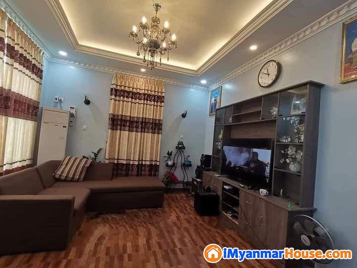 မြောက်ဒဂုံမြို့နယ် မန္တလေးလမ်းမအနီး 2RCလုံးချင်း တိုက်သစ် အမြန်ရောင်းရန် ရှိသည် - ရောင်းရန် - ဒဂုံမြို့သစ် မြောက်ပိုင်း (Dagon Myothit (North)) - ရန်ကုန်တိုင်းဒေသကြီး (Yangon Region) - 2,700 သိန်း (ကျပ်) - S-8797584 | iMyanmarHouse.com