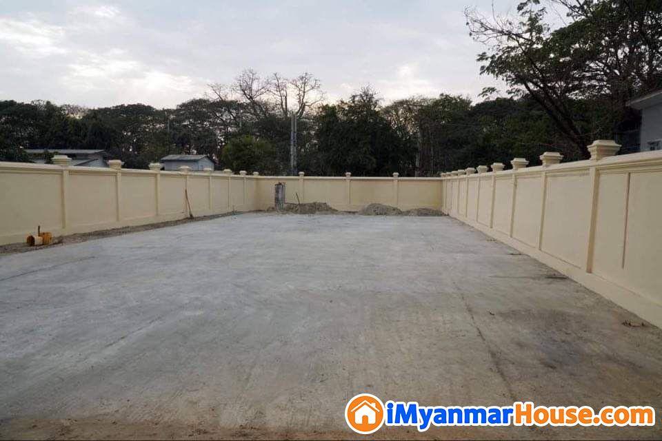 Sqft (5535) ကျယ်ဝန်းသော မန္တလေးမြို့ချမ်းမြသာစည်မြို့နယ်ကန်တော်ကြီးတွင်ဂရမ်မြေ ၂ ကွက်တွဲပိုင်ရှင်ကိုယ်တိုင်ရောင်းမည်။ - ရောင်းရန် - ချမ်းမြသာစည် (Chan Mya Thar Si) - မန္တလေးတိုင်းဒေသကြီး (Mandalay Region) - 5,200 သိန်း (ကျပ်) - S-8862460 | iMyanmarHouse.com