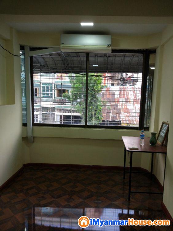 ေပအက်ယ္ (12.5x45 ) ဗညားဒလအိမ္ရာရိွ ပထမထပ္တိုက္ခန္းေရာင္းရန္ရိွသည္။ - ရောင်းရန် - တာမွေ (Tamwe) - ရန်ကုန်တိုင်းဒေသကြီး (Yangon Region) - 540 သိန်း (ကျပ်) - S-8997934 | iMyanmarHouse.com