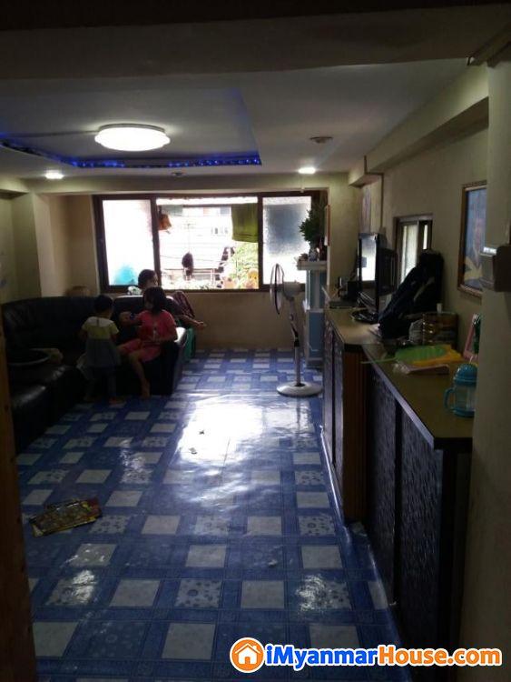 အခန်းကျယ်(18'x 54')တိုက်ခန်းအလွှာနိမ့် ရောင်းမည်။ - ရောင်းရန် - တောင်ဥက္ကလာပ (South Okkalapa) - ရန်ကုန်တိုင်းဒေသကြီး (Yangon Region) - 370 သိန်း (ကျပ်) - S-9057538 | iMyanmarHouse.com