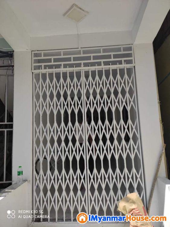 ေ မြ ညီ ထပ် - ရောင်းရန် - မရမ်းကုန်း (Mayangone) - ရန်ကုန်တိုင်းဒေသကြီး (Yangon Region) - 300 သိန်း (ကျပ်) - S-9090461   iMyanmarHouse.com