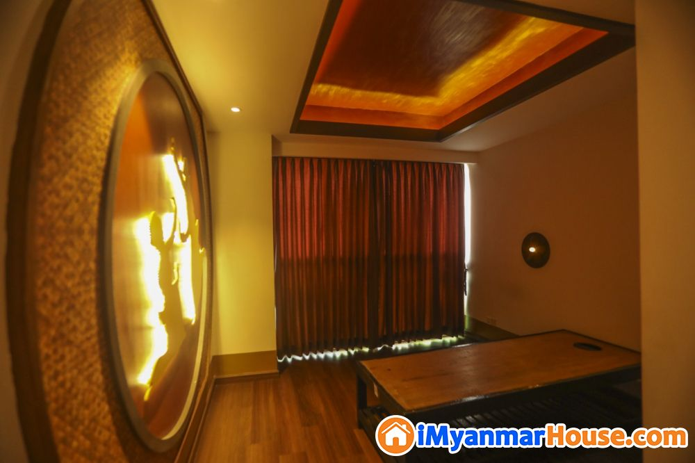 Space Yankin Condo တွင် Myanmar Traditional Style အဆင့်မြင့်ပြင်ဆင်ပြီး နေထိုင်ရန်အသင့် (အခန်းကျယ်) 🏡ရောင်းမည် - ရောင်းရန် - ရန်ကင်း (Yankin) - ရန်ကုန်တိုင်းဒေသကြီး (Yangon Region) - 4,500 သိန်း (ကျပ်) - S-9140769 | iMyanmarHouse.com