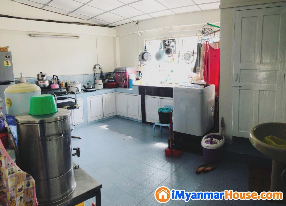 ဗိုလ်တထောင်မြို့နယ်၊ 45th လမ်း(အထက်ဘလောက်) တိုက်ခန်းကျယ်အရောင်း - ရောင်းရန် - ဗိုလ်တထောင် (Botahtaung) - ရန်ကုန်တိုင်းဒေသကြီး (Yangon Region) - 790 သိန်း (ကျပ်) - S-9148036 | iMyanmarHouse.com
