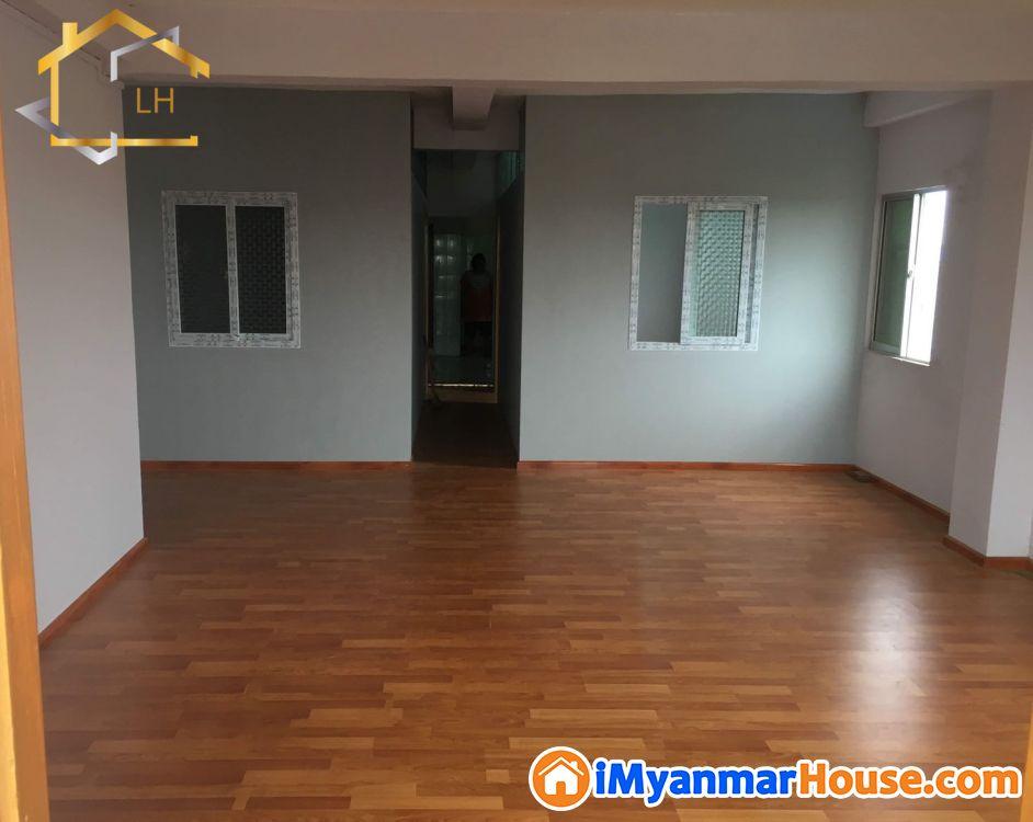 (19'x54')အကျယ်၊ တောင်ဥက္ကလာ၊ စာဓလမ်း၊ ပြင်ဆင်ထားပြီး တိုက်ခန်းရောင်းရန်ရှိ - ရောင်းရန် - တောင်ဥက္ကလာပ (South Okkalapa) - ရန်ကုန်တိုင်းဒေသကြီး (Yangon Region) - 490 သိန်း (ကျပ်) - S-9157318 | iMyanmarHouse.com