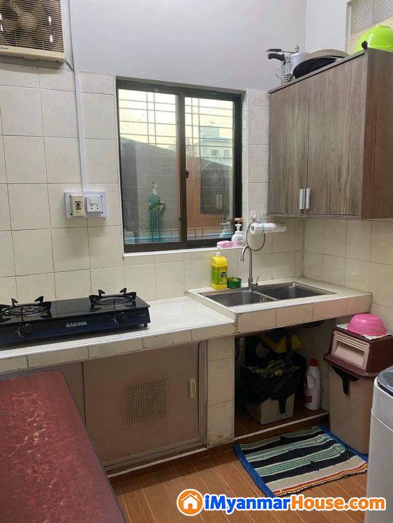 Bank Transfer ဖြင့်ဝယ်ယူနိုင်သော အိပ်ခန်း [၃] ခန်းပါ အသင့်နေလို့ရသော တိုက်ခန်း ကျယ် - ရောင်းရန် - ဗိုလ်တထောင် (Botahtaung) - ရန်ကုန်တိုင်းဒေသကြီး (Yangon Region) - 630 သိန်း (ကျပ်) - S-9173790   iMyanmarHouse.com