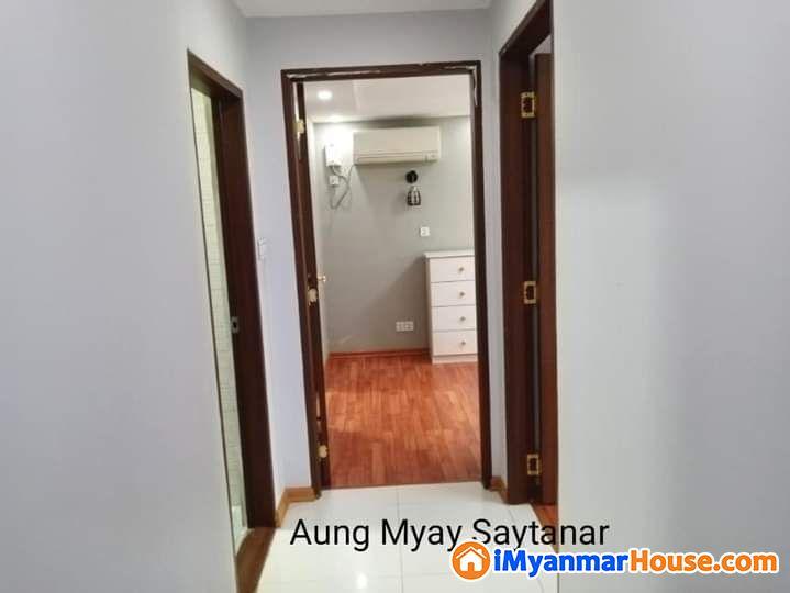 ဗဟန်း၊ Golden Link Luxury condominium - ရောင်းရန် - ဗဟန်း (Bahan) - ရန်ကုန်တိုင်းဒေသကြီး (Yangon Region) - 2,200 သိန်း (ကျပ်) - S-9248786   iMyanmarHouse.com