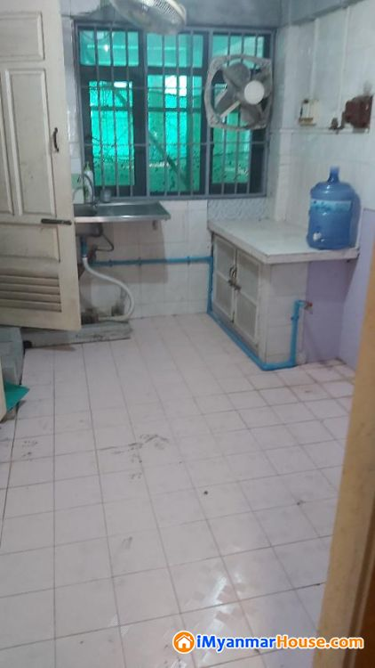ဗိုလ္ခ်ဳပ္လမ္းမ၊ ဗိုလ္တေထာင္၊ 12½'x55'၊ ဒုတိယထပ္၊ ျပင္ဆင္ၿပီး ေရာင္းရန္႐ွိပါသည္။ - ရောင်းရန် - ဗိုလ်တထောင် (Botahtaung) - ရန်ကုန်တိုင်းဒေသကြီး (Yangon Region) - 600 သိန်း (ကျပ်) - S-9315729 | iMyanmarHouse.com