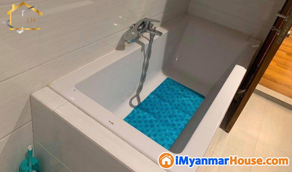 (2050sqft)အကျယ်၊ ဗဟန်း၊ Inya Myaing Residence, ပြင်ဆင်ထားပြီး အသင့်နေထိုင်နိုင်သော ကွန်ဒိုအခန်းကျယ်အရောင်း - ရောင်းရန် - ဗဟန်း (Bahan) - ရန်ကုန်တိုင်းဒေသကြီး (Yangon Region) - 4,500 သိန်း (ကျပ်) - S-9318921   iMyanmarHouse.com