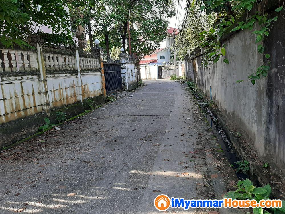 **မရန်းကုန်း မြိုနယ် 7 မိုင်ကုန်းမြင့်ရိပ်သာလမ်းသွယ်မြေသီးသန့်ဒေါင့်ကွက်အရောင်းလေး - ရောင်းရန် - မရမ်းကုန်း (Mayangone) - ရန်ကုန်တိုင်းဒေသကြီး (Yangon Region) - 3,600 သိန်း (ကျပ်) - S-9320707   iMyanmarHouse.com