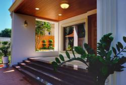 ❗ I S M ကျောင်း အနီး.. လှိုင် အေး ရိပ် မွန် အိမ် ရာ မြေ အကျယ် 80 ×100 RC3 Lift တိုက်အသစ် ရေကူးကန်ပါ 📲095041674❗